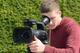 Arbeit mit Videokamera, Außenaufnahme