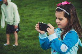 digitale_Medien _in_Kinderhänden
